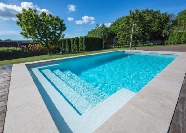 Hồ bơi gia đình cho không gian rộng rãi