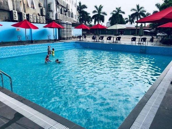Bể bơi trong xanh, an toàn với người bơi khi sử dụng MIDA.HD