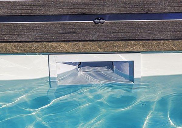 Hộp thu nước bề mặt SKA.C giúp hồ bơi thêm sạch sẽ