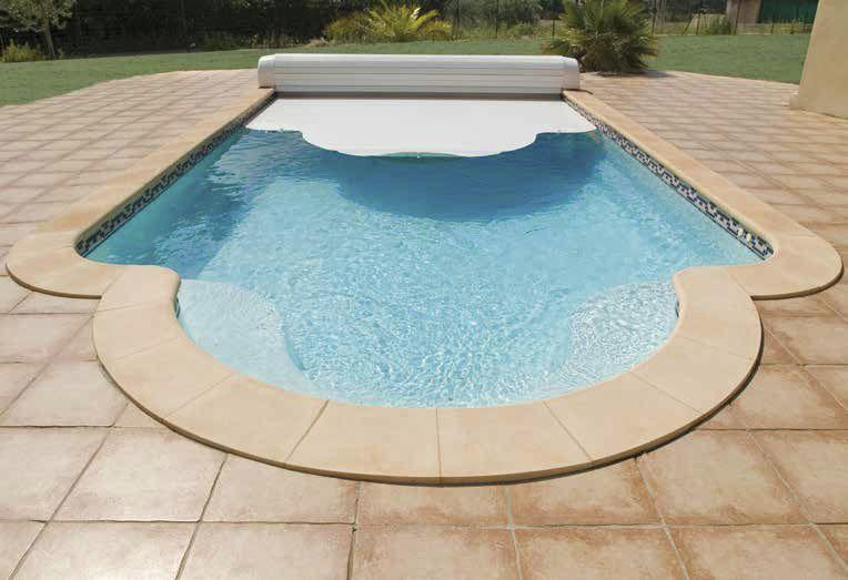 Tấm che bể bơi là sản phẩm có công dụng hữu ích